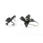 Сребърни обици - тъмни цветя с черни перли