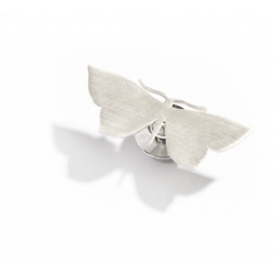Малка брошка пеперуда
